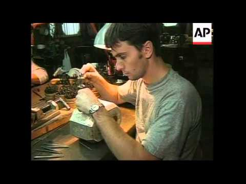 ARGENTINA: SILVERSMITHS CARRY ON OLD FASHIONED TRADITIONS