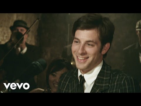 Mark Ronson ft. Amy Winehouse - Valerie (Official Video)