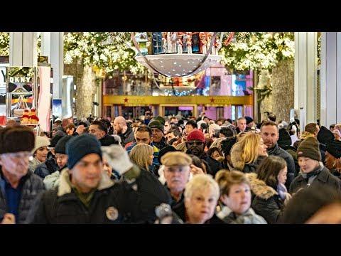 «Черная пятница» США дала старт рождественским распродажам