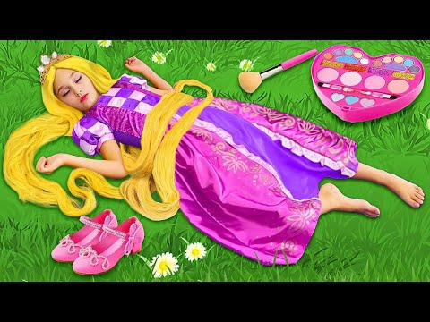 Sasha As Rapunzel Plays In A Beauty Salon In Her Princess Room