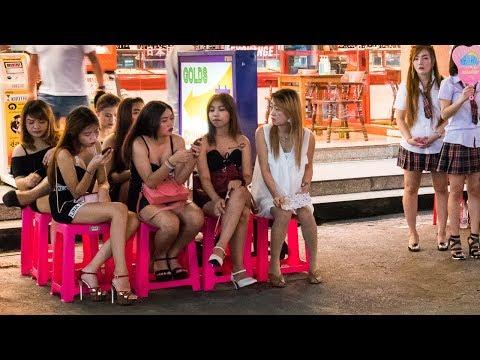 Silom Nightlife (Patpong & Soi Thaniya) - VLOG 16