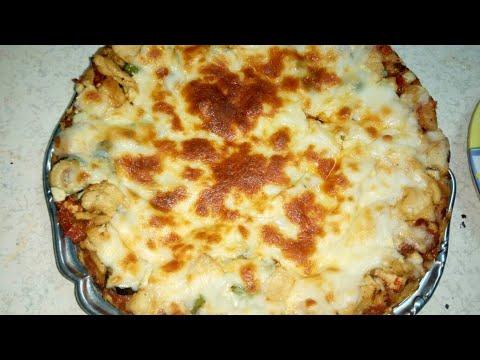 صورة  طريقة عمل البيتزا ابسط واسهل طريقه للبيتزا من مطبخ فاطمه طريقة عمل البيتزا بالفراخ من يوتيوب