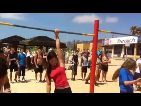 Street workout girls in Israel (streetworkout Israeli girls women israel beach Стрит воркаут)