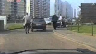 Видео наших партнёров. Студия КГБ. Азбука телохранителя. Ролик 36(Два телохранителя. Тактика пешего сопровождения. Посадка в автомобиль. Клип 2 Подробнее см. http://www.vipv.ru/Подго..., 2016-03-06T22:54:45.000Z)