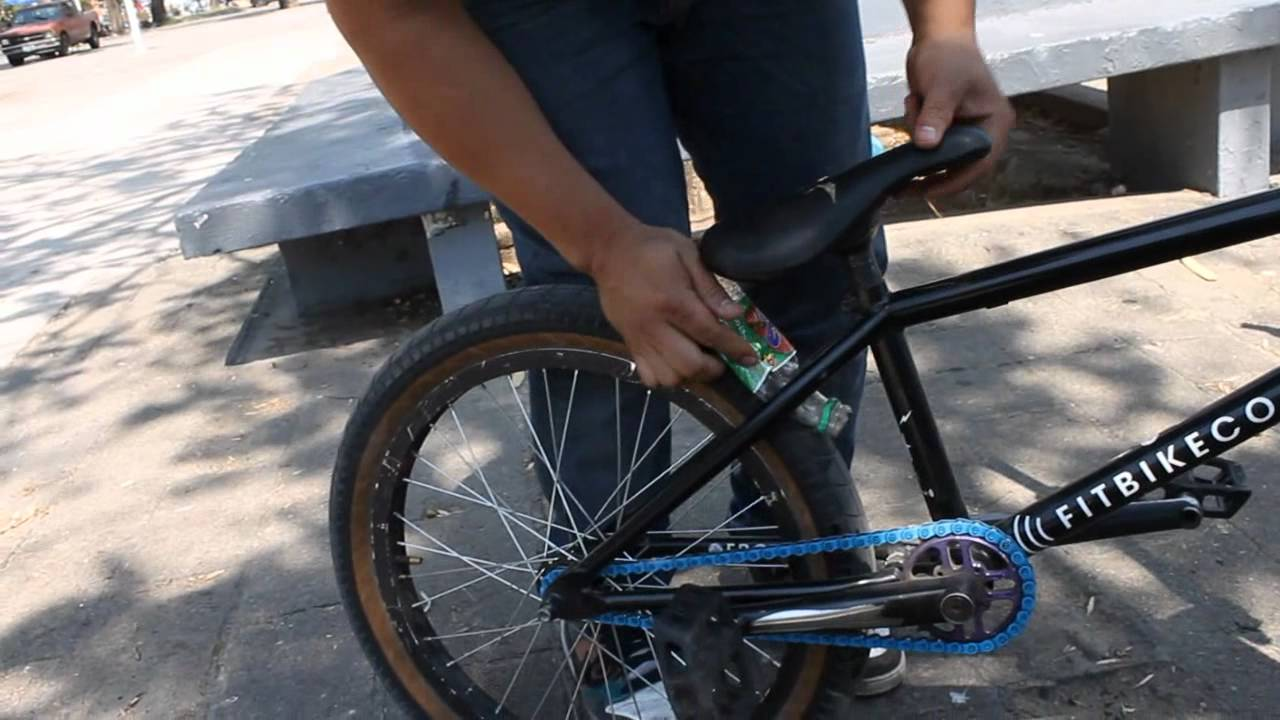 BOOM BMX: COMO HACER TU PROPIA MOTO-BIKE - Comercial - YouTube