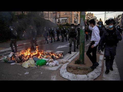 شاهد: تجدد المواجهات بين اليهود المتشددين والشرطة الإسرائيلية بسبب قيود الإغلاق…