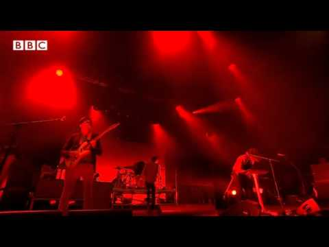 Phoenix - Entertainment (Live Glastonbury Festival 2013)