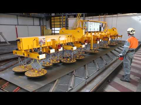 ACIMEX : a heavy steel plate lifter for Arcelor