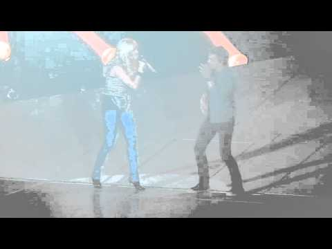 Carrie Underwood- Leave Love Alone [w Hunter Hayes] (Live)