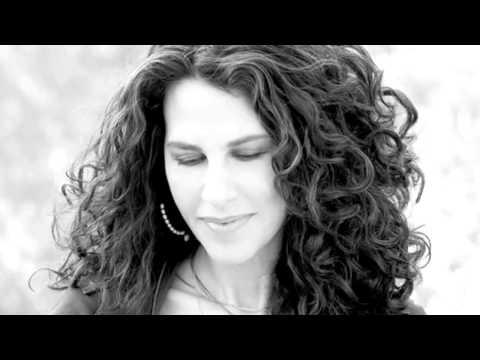 Ελευθερία Αρβανιτάκη - Μη Φεύγεις Μη Μένεις | Eleftheria Arvanitaki - Mi Feugeis Mi Meneis