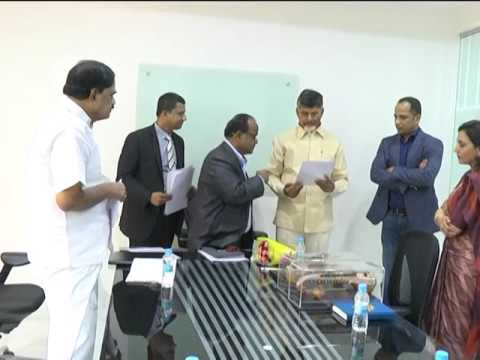 MOU BETWEEN A P GOVERNMENT AND SINGAPORE GOVERNMENT BY AP CM AT RESIDENCE ON 22102016