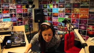 Lady Waks In Da Mix #355 (25-11-2015)