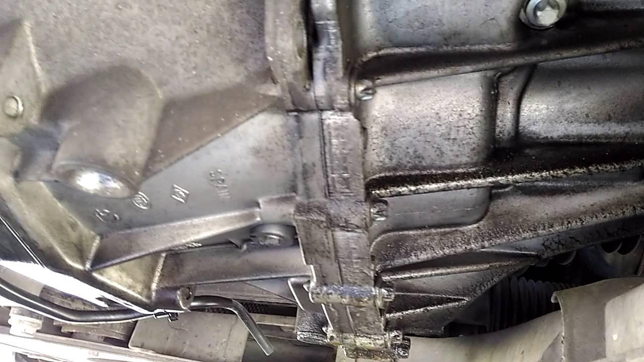 Manchas de aceite best limpieza de suelo con manchas de - Quitar manchas de grasa de coche ...