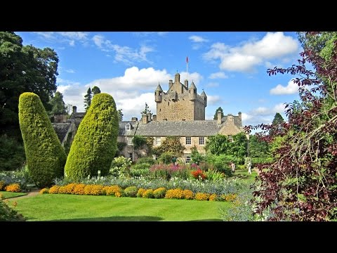 Cawdor Castle Scotland • Shakespeare's Macbeth and the Thane of Cawdor