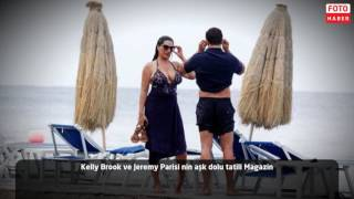 Kelly Brook tatilde Magazin