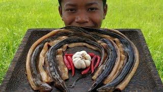 Yummy Stir-Fry Eels with Ingredient / Cooking & Eating Eels