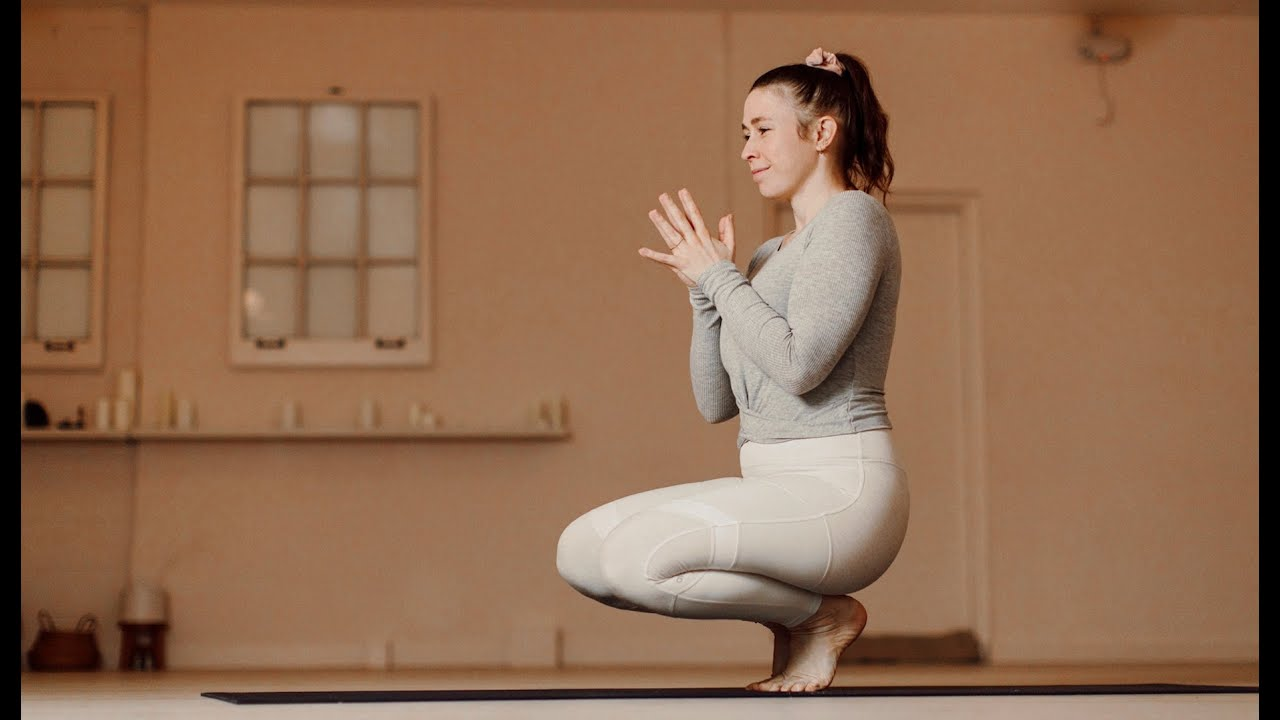 Download Lunar Mobility Yoga Practice   Yoga with Carling Harps