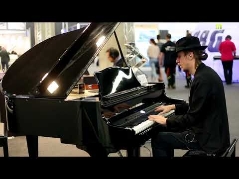Nagrania dla muzykuj.com – Dynatone VGP 4000Q – musikmesse 2018 gra: Kamil Barański www.muzykuj.com
