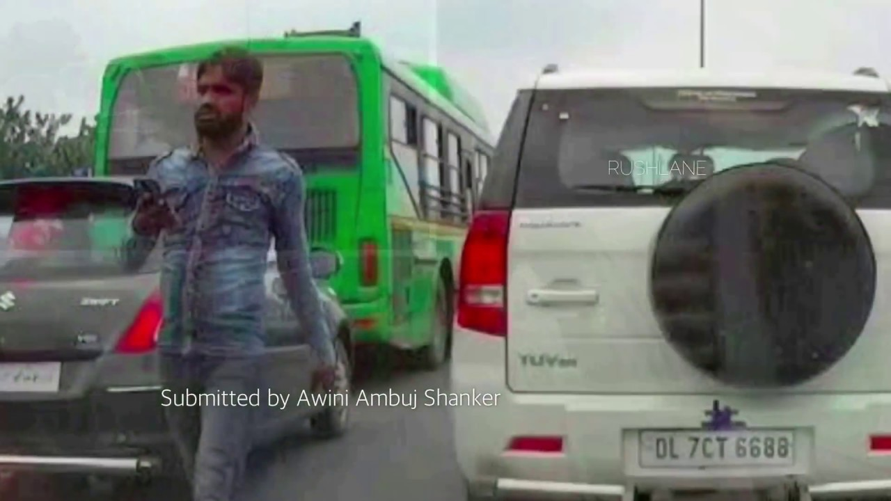Delhi's Thak Thak Gang Stealing Phone from Car - Caught on Camera
