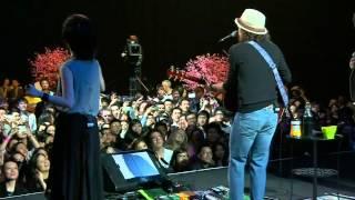 Jason Mraz × Khalil Fong 方大同 × G.E.M 邓紫棋 - I'm yours @120627 iTunes Live From HK