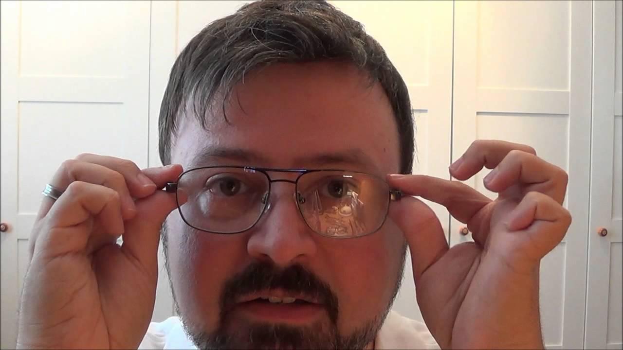 WE ARE BIG FRIENDS zeigt Brillen für runde Gesichter und ...
