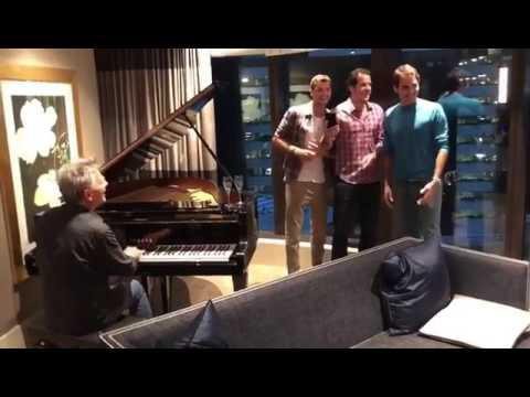 Federer karaoke: canta Hard To Say I'm Sorry con Dimitrov e Haas