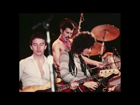 19.-bohemian-rhapsody-(queen---live-in-new-york:-9/30/1980)-(two-sourced-merge)