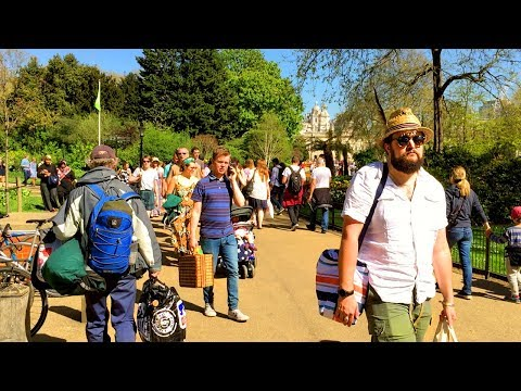 St James's Park (Royal Park with Lake) - Walking in London
