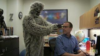 Best Bigfootage: Bigfoot the Lurker? | Finding Bigfoot
