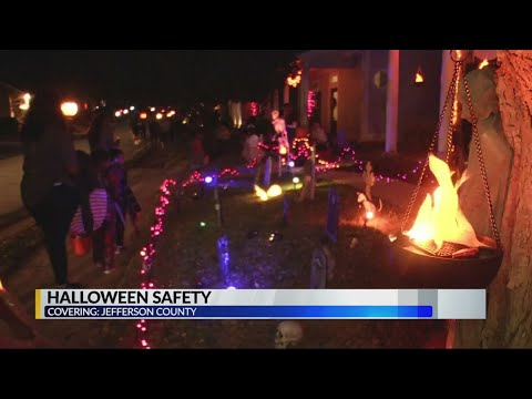 Jefferson County Sheriff's Office helps neighborhood stay safe during Halloween