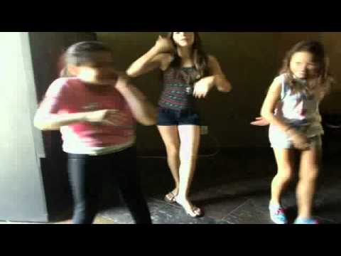 apple bottom jeans dance:) - YouTube