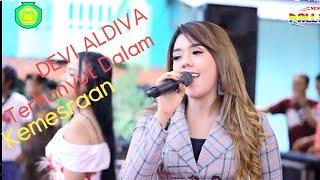 Download TERHANYUT DALAM KEMESRAAN  - Devi Aldiva - New Pallapa Live SMK NU 01 Kendal