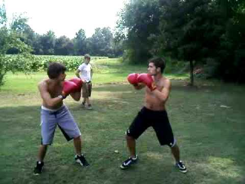 "Backyard Boxing hc backyard boxing ""derrick v. hamton"" (round 3) fight 3! - youtube"