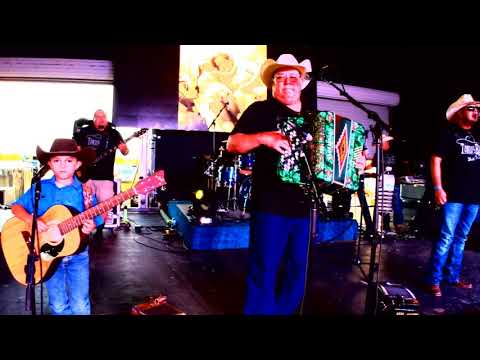 Highway 16 Music Festival - David Lee Garza y Los Musicales
