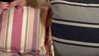 Annie Sloan - Fabric tutorial No.1 - A simple trimmed edge cushion