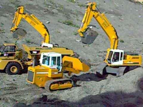 Mini cantiere su sabbia e pietre scala 1:14,5