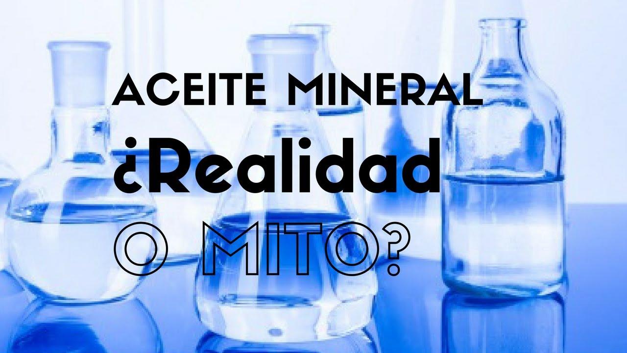 Aceite mineral para el cabello rizado