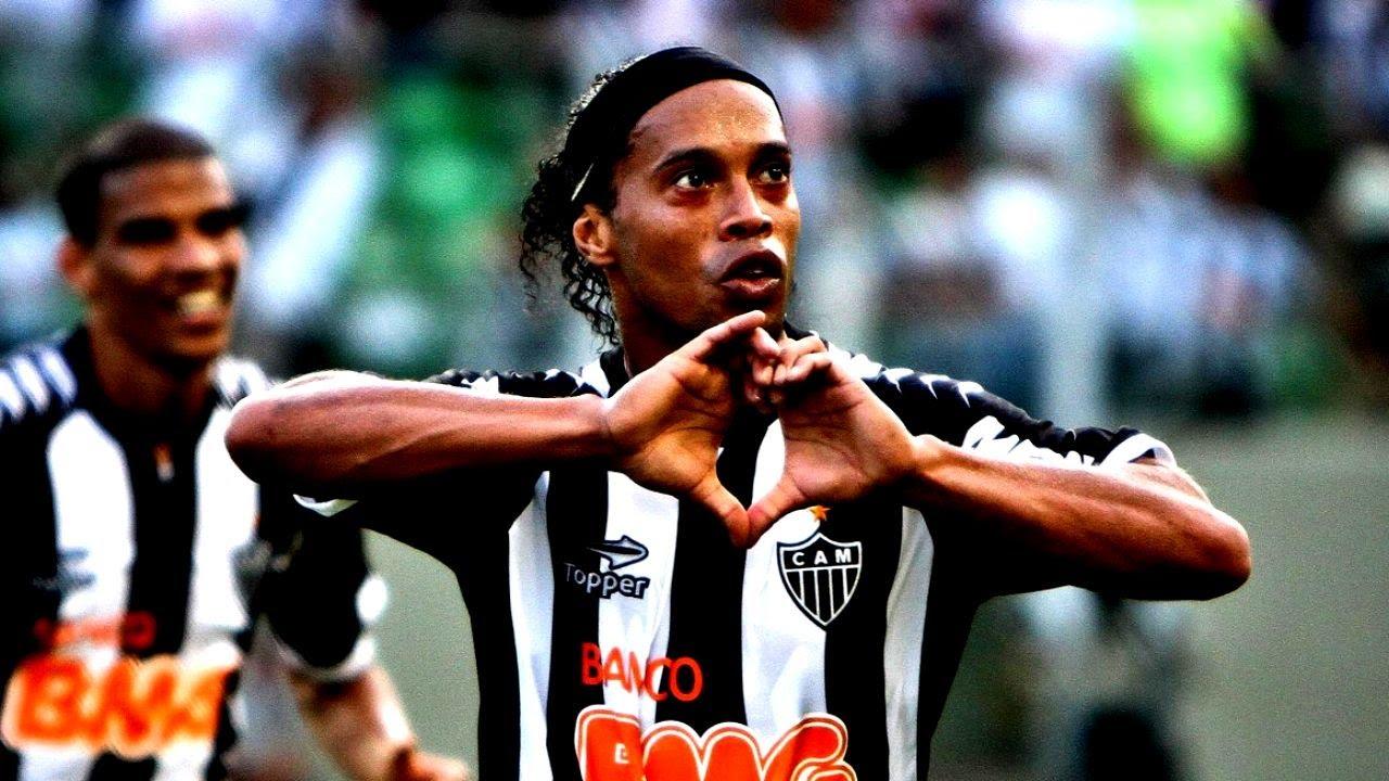 Ronaldinho Atletico Mineiro Legend Legendary Skills