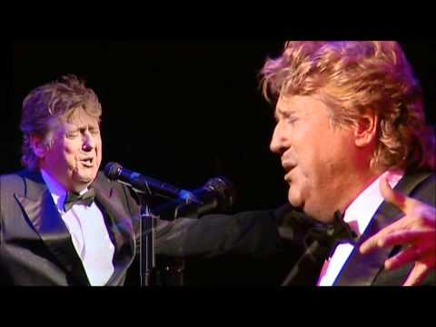 Joe Longthorne sings Tom Jones and Shirley Bassey.wmv