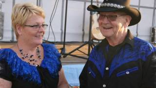 Country Duo Ted and Helen - Sing me an old fashioned song