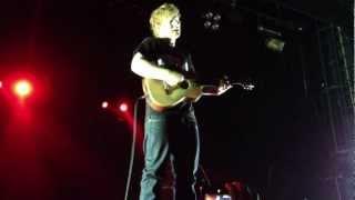 Gambar cover Ed Sheeran - Wake Me Up (Live, without mic)