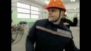 Техника безопасности(Вите надо каску)