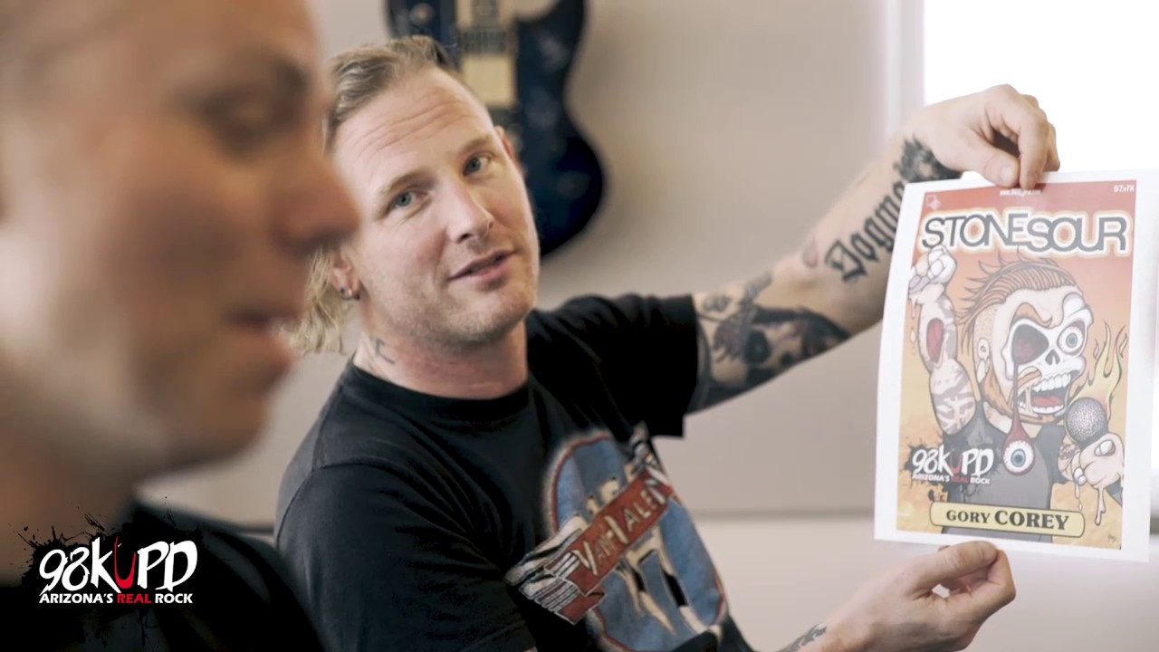 """Slipknot Singer Says Nickelback Singer Is An Idiot Who Has """"A Face"""