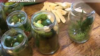 Jak zrobić pyszne kiszone ogórki w słoikach :: Skutecznie.Tv