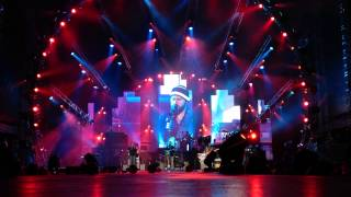 Comfortably Numb- Zac Brown Band with John Mayer (Part 1)