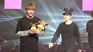 170401 BTS The Wings Tour in Anaheim Day 1 - Ending (V Taehyung Focus)