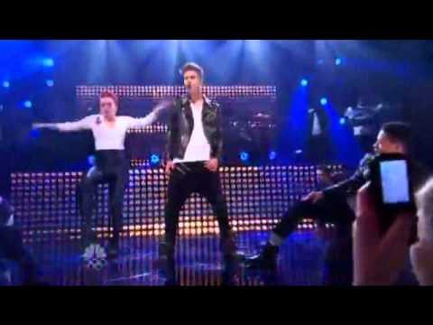 Justin Bieber singing All around the world ft Ludacris (live).