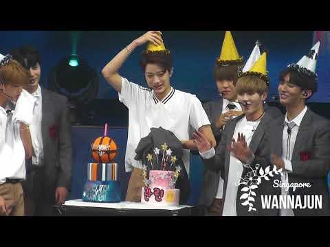 170922 Wanna One Fan Meeting - Celebrating Lai Guan Lin's Birthday
