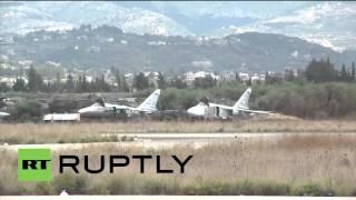 Боевой вылет самолетов ВКС РФ с авиационной базы в Латакии