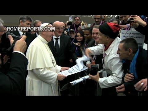 """Francisco pide """"hechos y no palabras"""" para primera Jornada Mundial de los Pobres"""